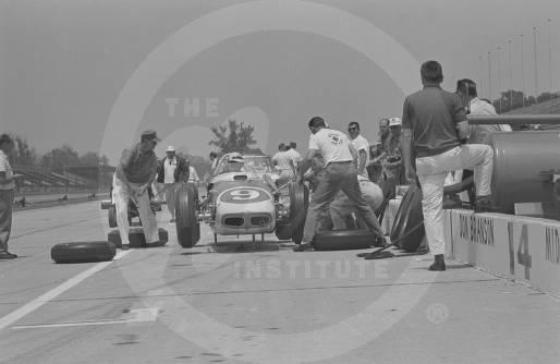 Car number 9, a Watson, driven by Dick Rathmann.